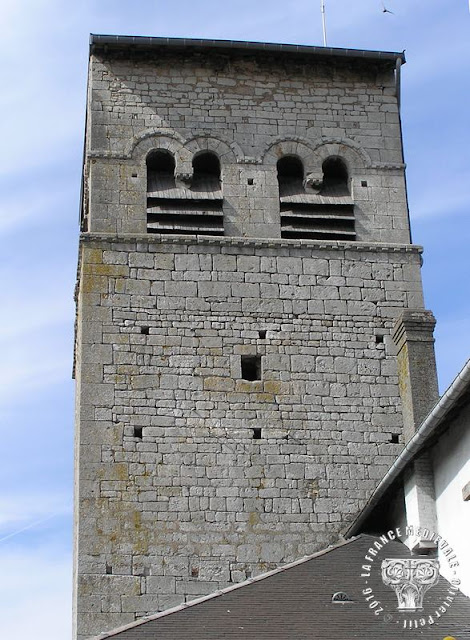 BLENOD-LES-PONT-A-MOUSSON (54) - Clocher roman de l'église Saint-Etienne