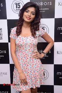 Actress Sanchita Shetty Pictures at Mirrors Salon App Launch Event 0006.JPG