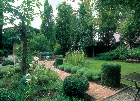the classic Italian garden