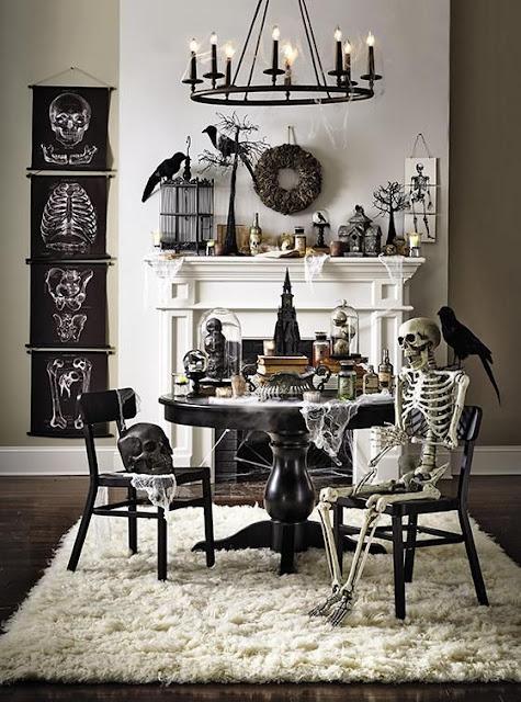 merupakan ruang wajib dalam hunian yang perlu mengalami perubahan dekorasi tiap ada momen Dining Room A La Halloween