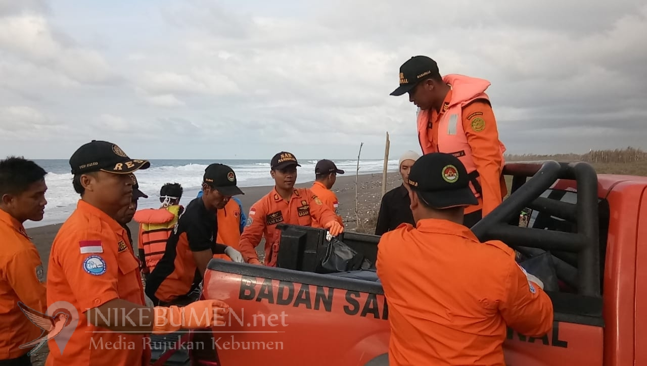 Jenazah Pelajar Pencari Yutuk Ditemukan di Pantai Ayamputih