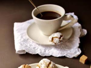 Amaretti au café