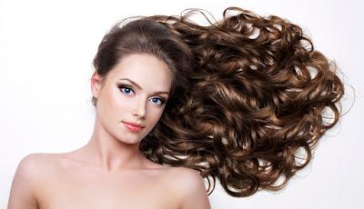 Astuce coiffure : Boucles faciles sans fer à boucler