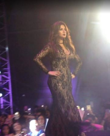 HOT AND SEXY: Fans Went Crazy When Angel Locsin Slayed The Catwalk At Manila X Festival!