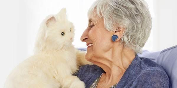 Buongiornolink - Per aiutare i malati di Alzheimer sono arrivati i gatti robot