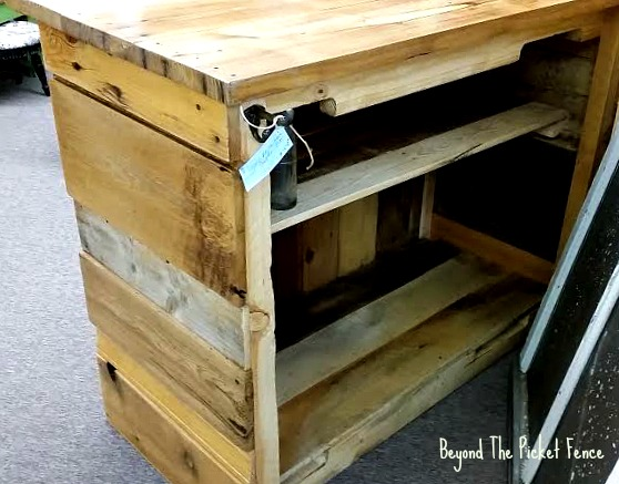 cabin decor, rustic bar, bottle opener, shelves, Minwax, pallet furniture, salvaged,http://bec4-beyondthepicketfence.blogspot.com/2016/05/rustic-reclaimed-bar.html