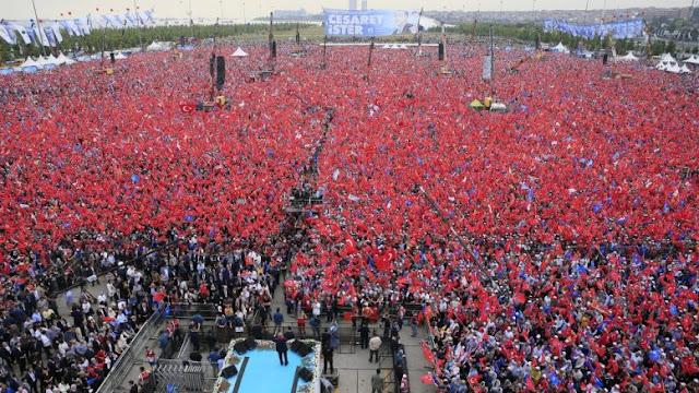 Ο Ταγίπ Ερντογάν έκοψε και έραψε ένα ρόλο στα μέτρα του: Θα κερδίσει όμως τις εκλογές;