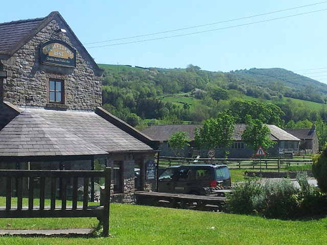country pub peak district view