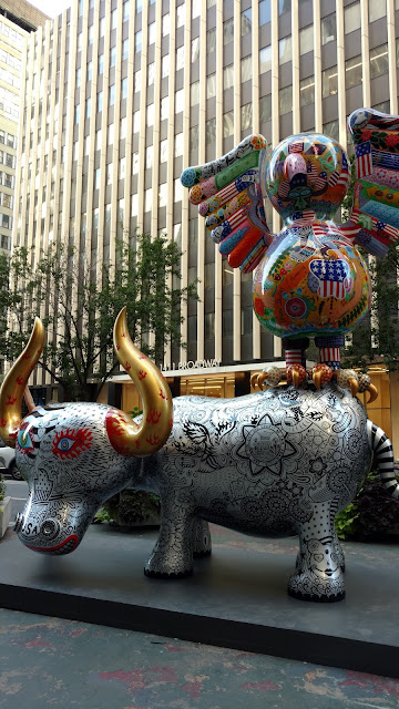 Карнавал кольорових звірів на Бродвеї, Нью-Йорк(Hung Yi. Fancy Animal Carnival, NYC)