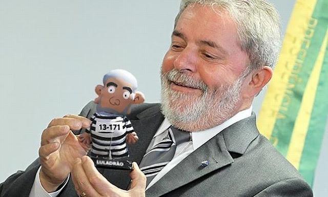 Moro proíbe Lula de exercer qualquer cargo público por 18 anos