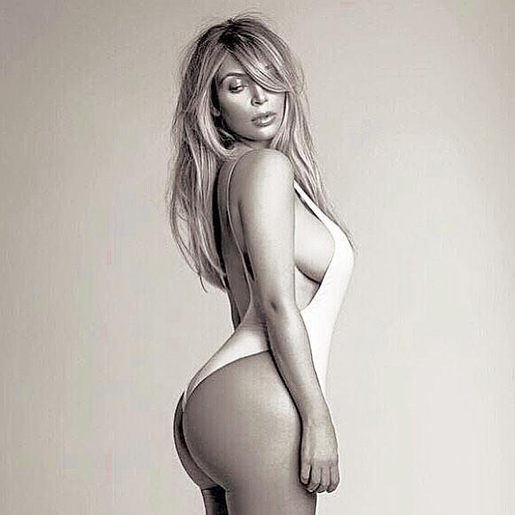 Kim khardashian Sexy Bikini Pictures