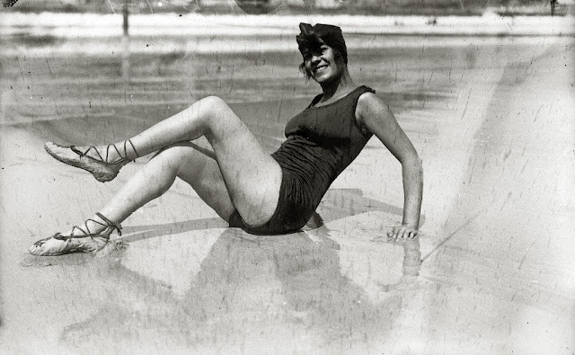 Who Invented The First Car >> 36 Interesting Vintage Photos of Women in Bathing Suits in the 1910s ~ vintage everyday