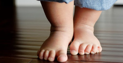 It Is Absolutely Necessary To Let Babies Walk Barefoot, It Is Very Good For Their Health