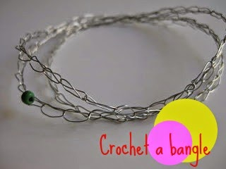 http://www.craftyrie.com/2010/01/tutorial-beaded-crocheted-bangle.html