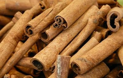 """hasil pencarian gambar """"kayu manis batang"""""""
