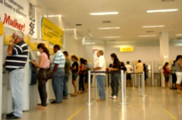 Agências bancárias funcionam só até quinta-feira (29) e reabrem na  segunda-feira (2)