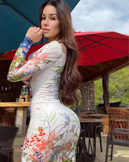 Yuliett Torres vestido h para hombres