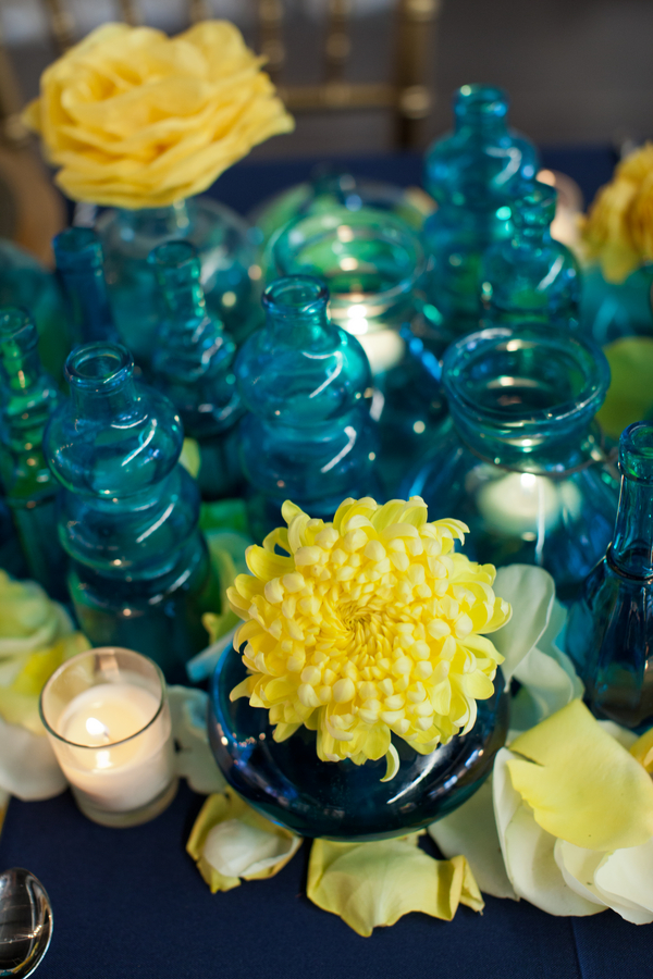 art+modern+wedding+blue+yellow+starry+night+van+gogh+invitations+centerpiece+table+reception+bride+bridal+gown+black+white+hipster+unique+offbeat+harper+point+photography+2 - A Starry Night