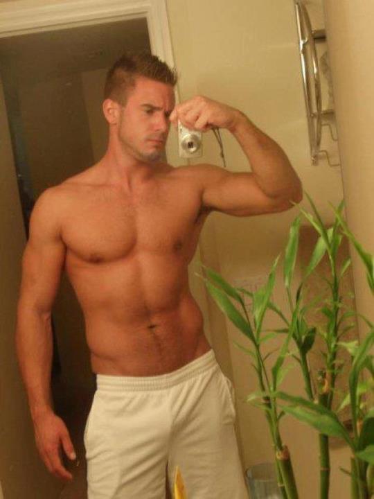 Hot Muscular Jocks 23