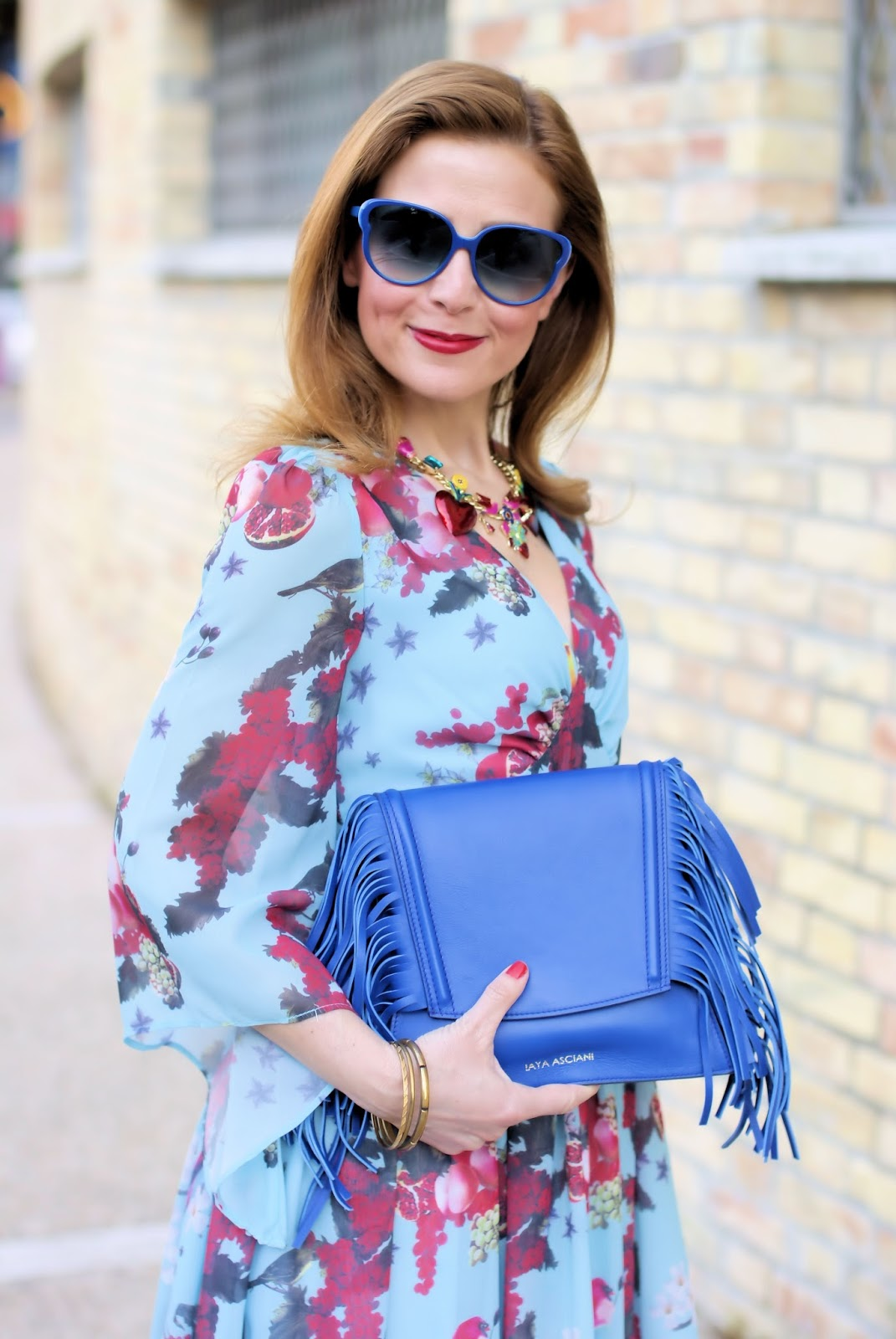 Iaya Asciani clutch on Fashion and Cookies fashion blog, fashion blogger style