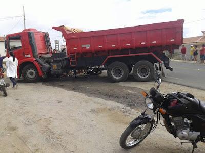 Suposto racha entre duas motos quase termina em tragédia em Nova Palmeira