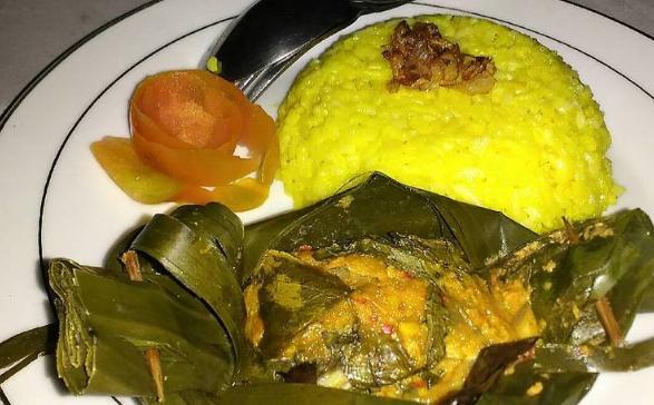 Resep Nasi Kuning Dengan Pepes Ikan