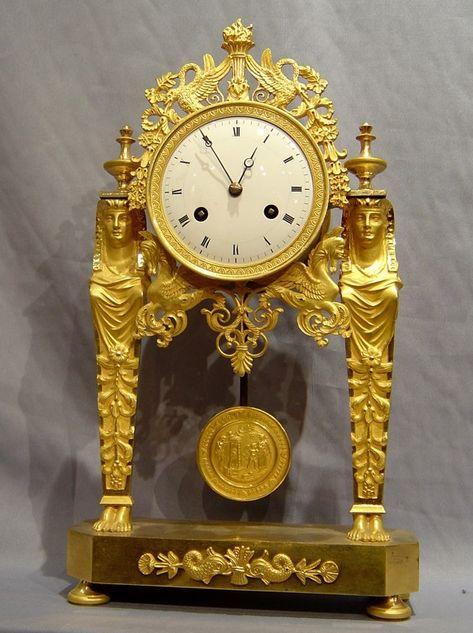 История часов: образец с маятником