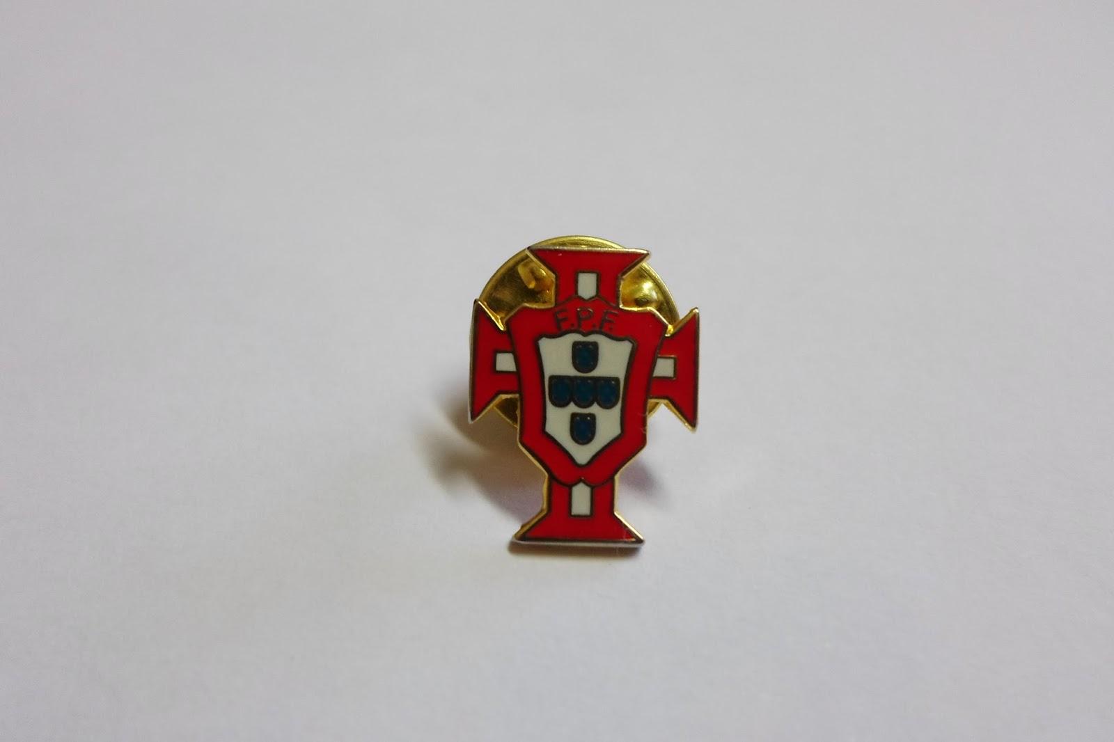 3419fdec3989 Depois da vitória de ontem da seleção portuguesa no Euro 2016, este é o pin  ideal para publicar no dia de hoje. A Federação Portuguesa de Futebol foi  ...
