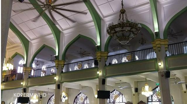 INTERIOR masjid sultan singapura kopermini.id