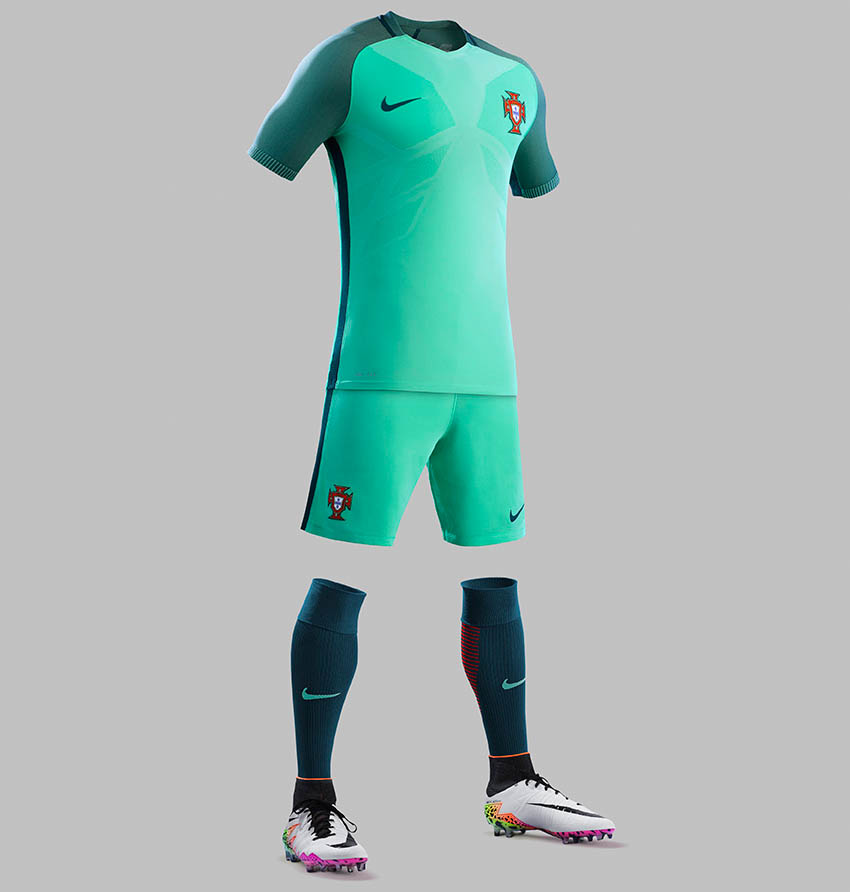 Portugal euro 2016 away kit released footy headlines for Maillot exterieur psg