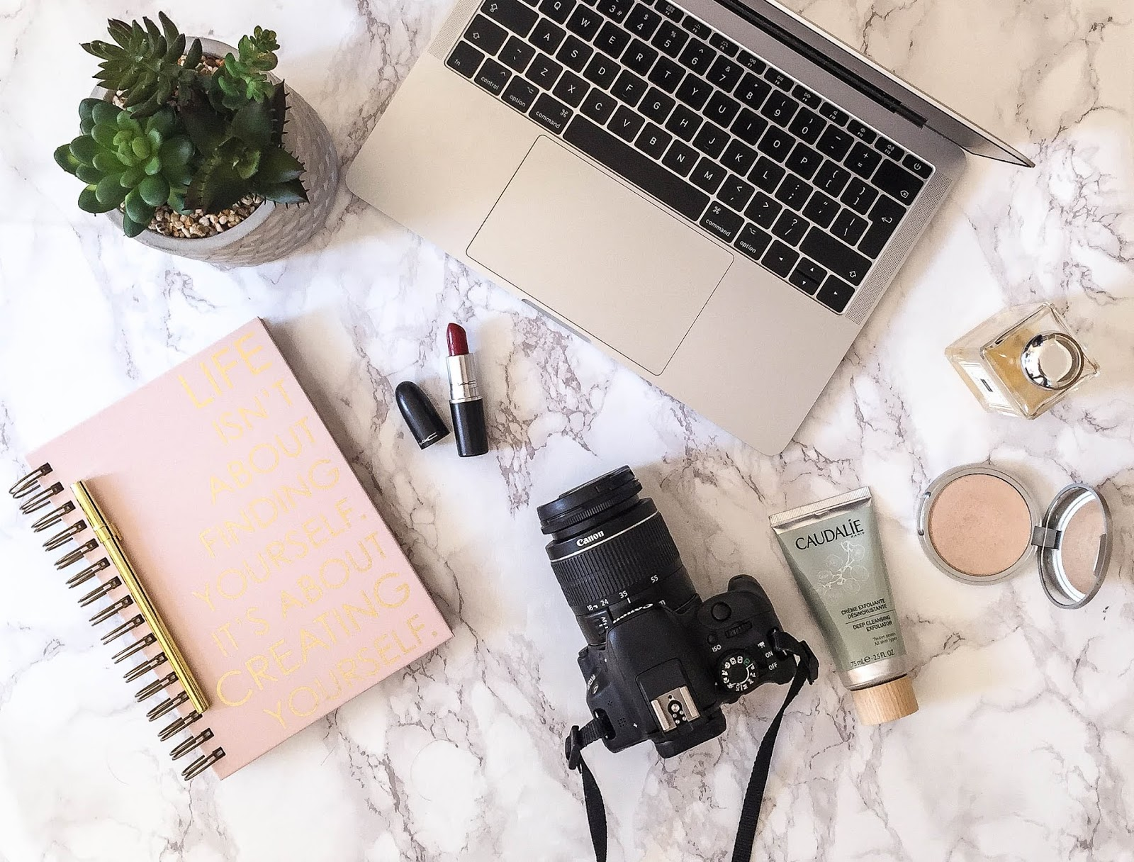 Blogging Advice Flatlay