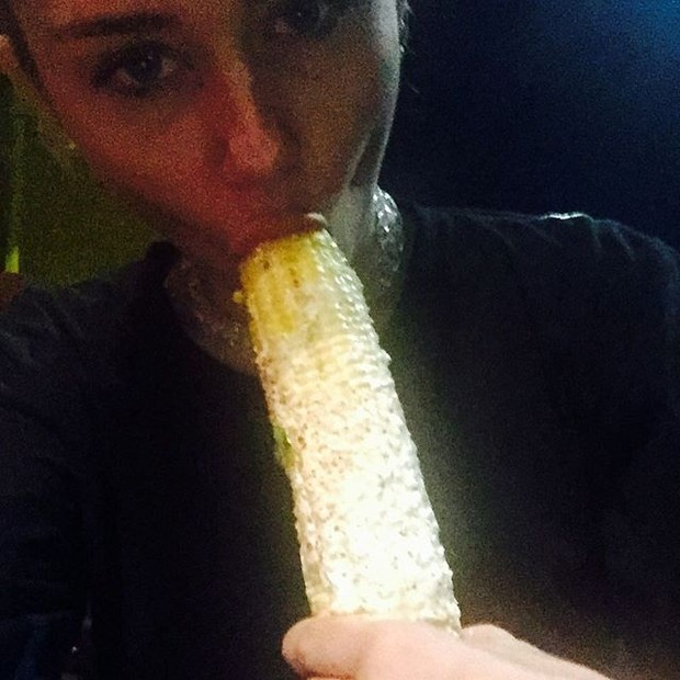 Miley Cyrus discloses photo controversy with corn