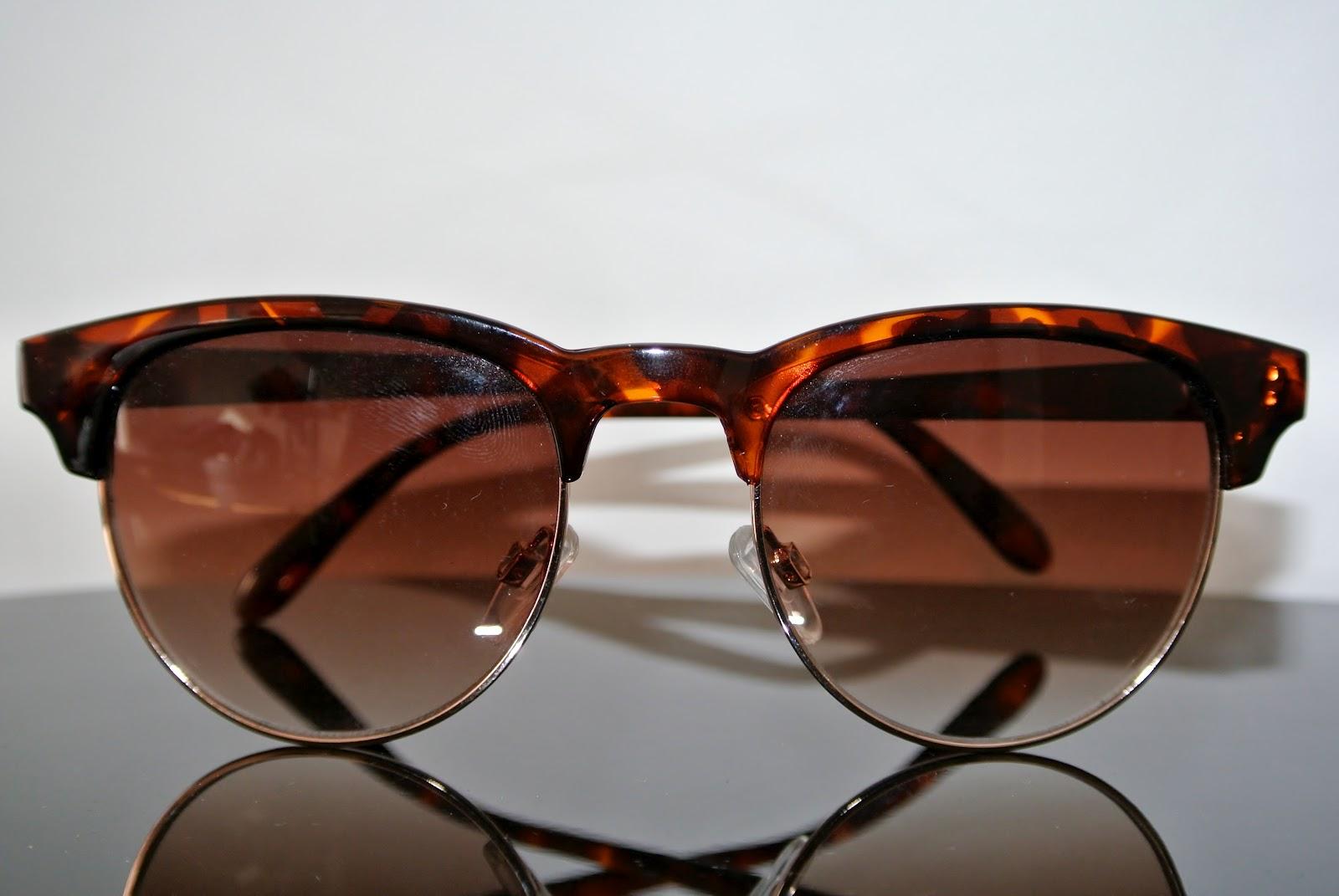 le blog de luciana drey lunettes de soleil ray ban vs h m. Black Bedroom Furniture Sets. Home Design Ideas