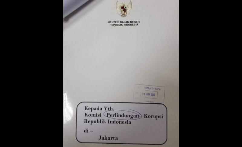 Tulisan Komisi Perlindungan Korupsi pada surat Mendagri ke KPK