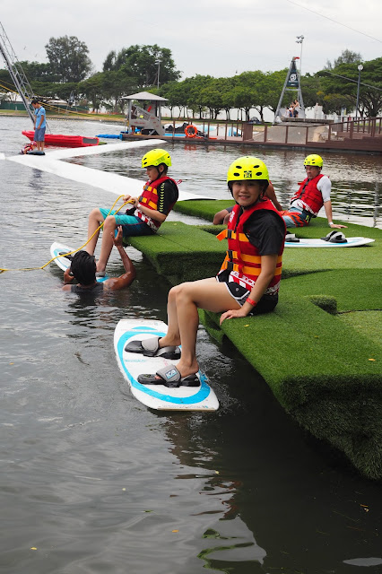how to get to singapore wake park