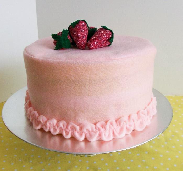 Торт из ткани и фетра с выкройкой. Cake of felt.