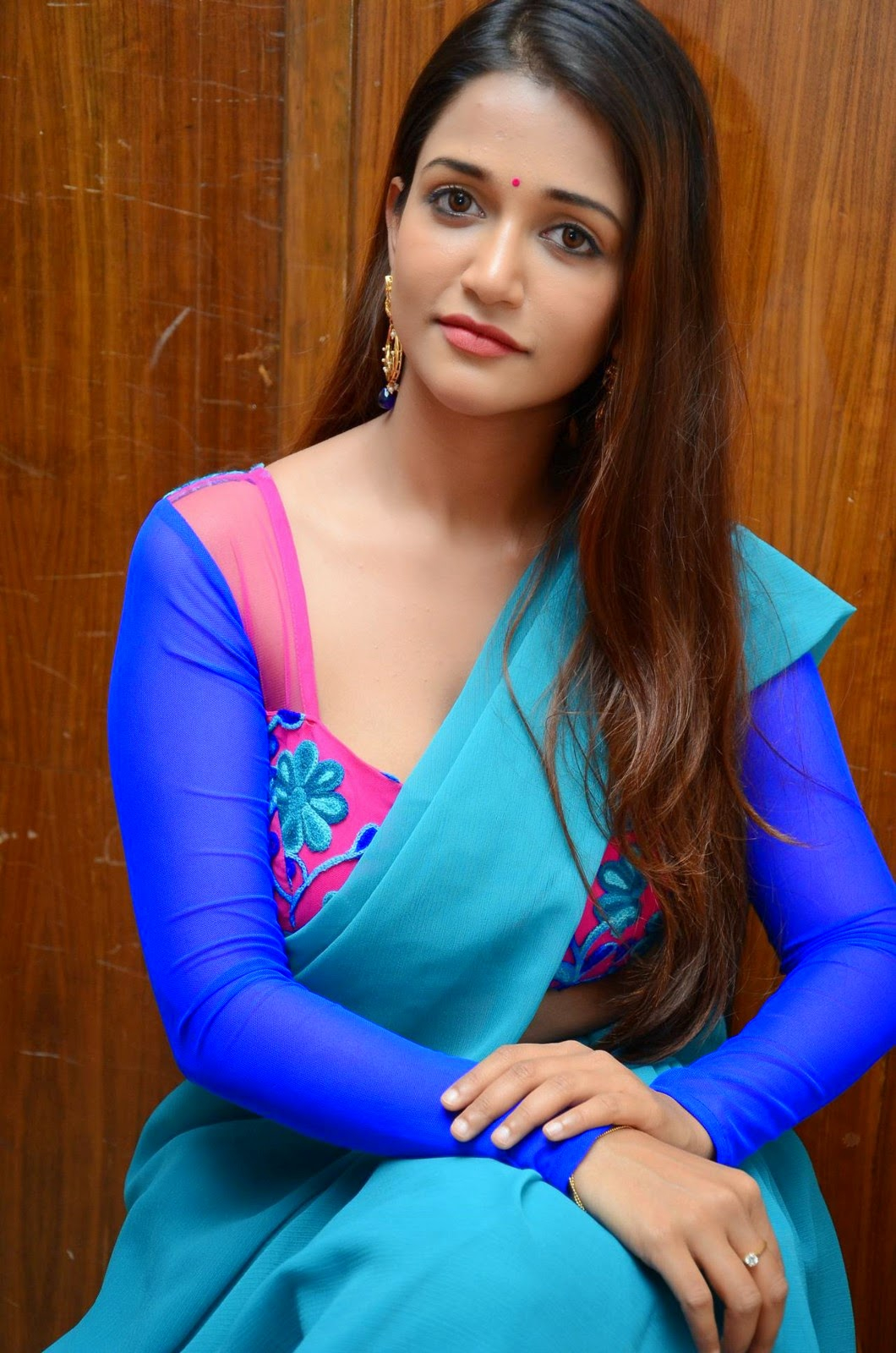 Kavya Singh Hot Videos Anaika Soti at 365 Day...