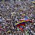Miles de personas disfrutan y aplauden el Venezuela Aid Live