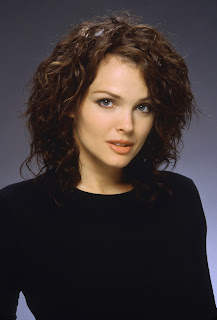 Dina Meyer photo