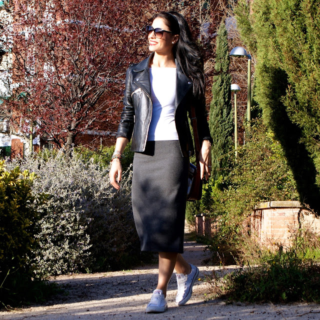 Blog de Moda La Caprichossa: LOOK primavera, casual con falda tubo y Converse All Star