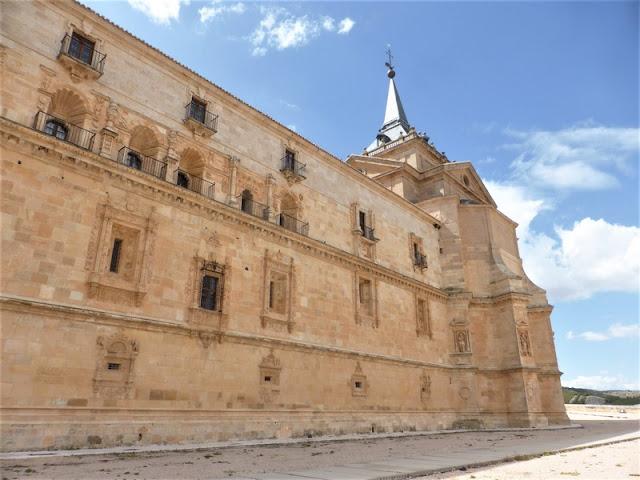 Monasterio de Uclés, fachada plateresca