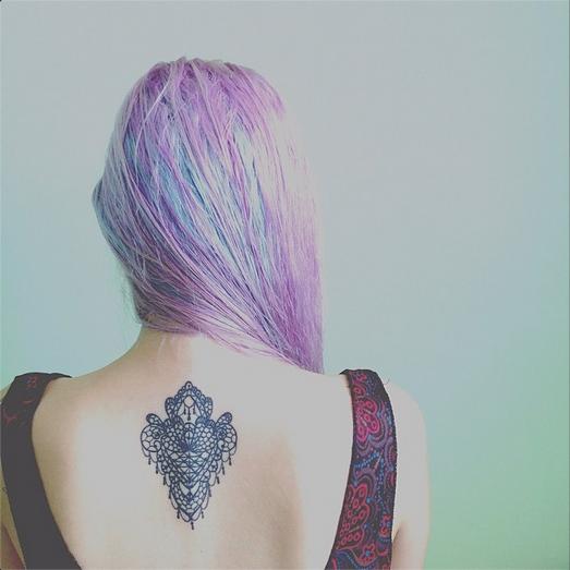 vannessa pinlac lace tattoo, tattoo, lace, dyed hair, manic panic