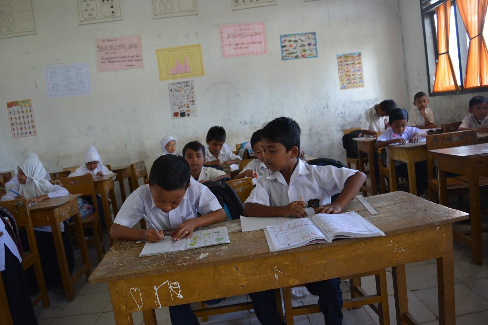 Siswa SDN Cot Baroh Sedang Mengikuti Proses Belajar