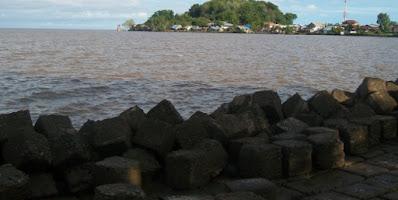 Pantai Sinam