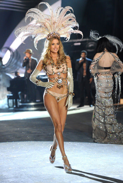 Bruno Mars Victoria´s Secret Fashion Show 2012
