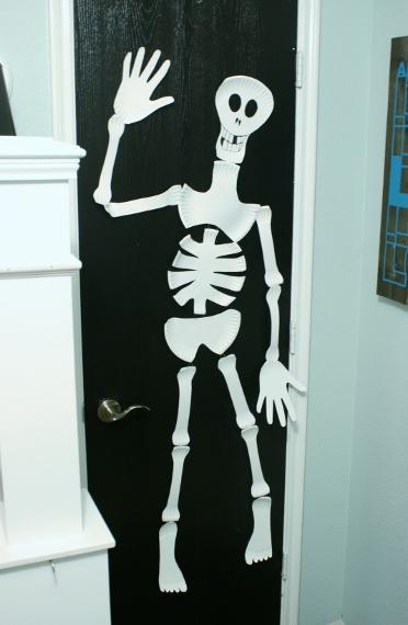 Remodelaholic Paper Plate Skeleton Kids Craft