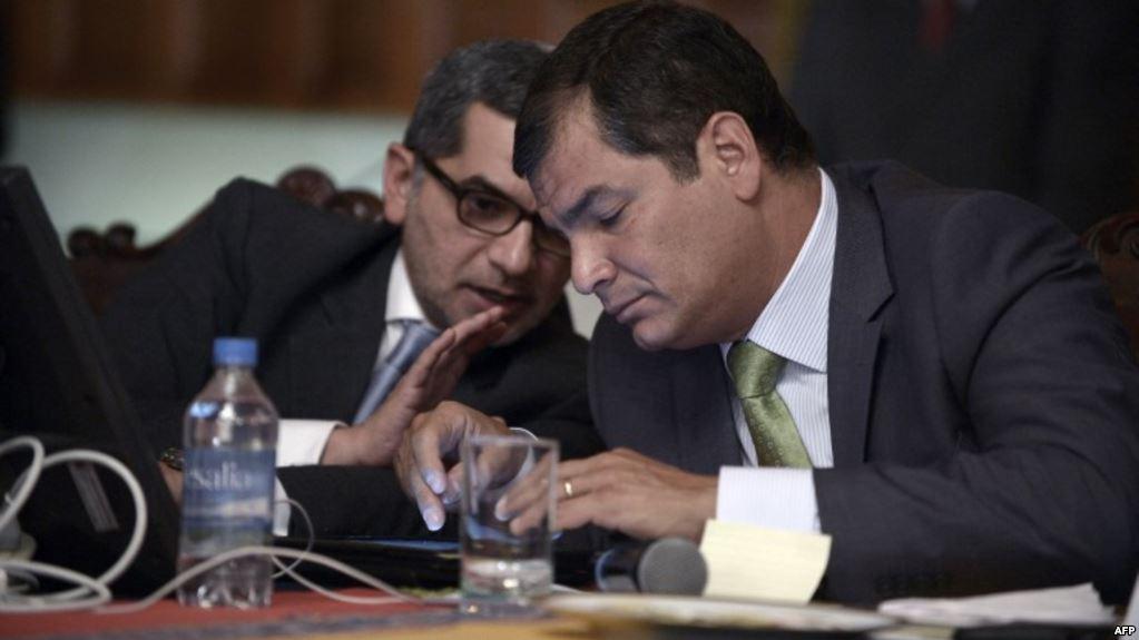 Fernando Alvarado se removió el grillete electrónico con el que tenía detención domiciliaria / AFP