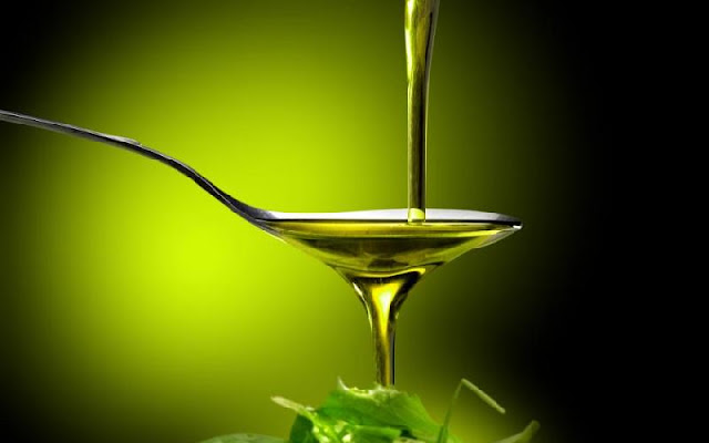 8 manfaat minyak zaitun untuk wajah sehat
