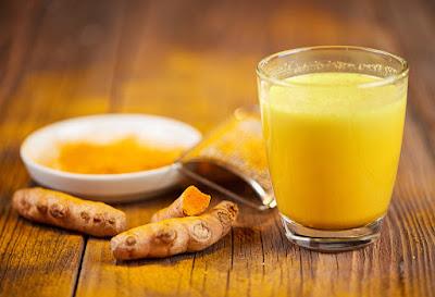 turmeric milk reduces dry cough