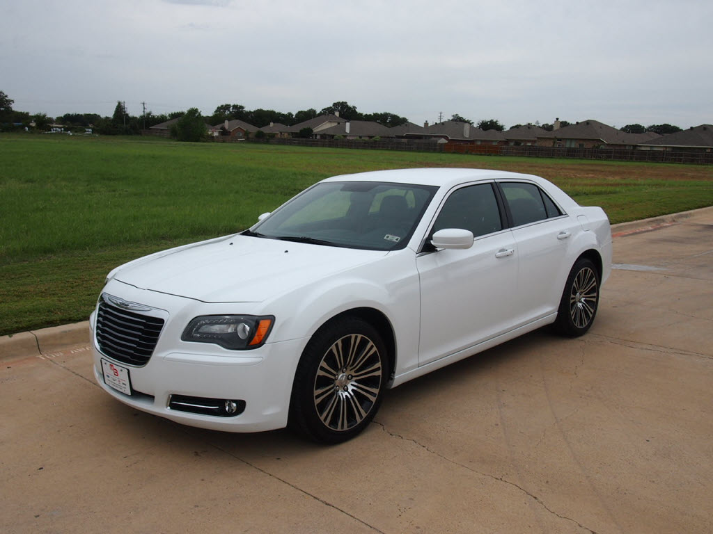 for sale 27988 2013 chrysler 300 s sedan 1k miles leather troy young 817 243 9840 at mike. Black Bedroom Furniture Sets. Home Design Ideas
